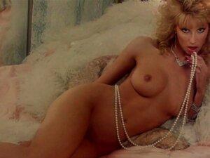 Sybil nackt Danning Linda Blair