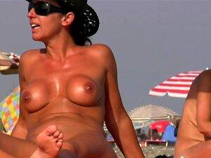 Fkk große brüste