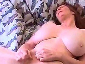 Milfs haarige Haarige Achseln