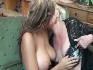 Video Bokep Hot Lesbian Sex Bokepmama