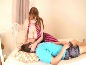 Indian Mom Menyusui video porno & seks dalam kualitas tinggi di ...
